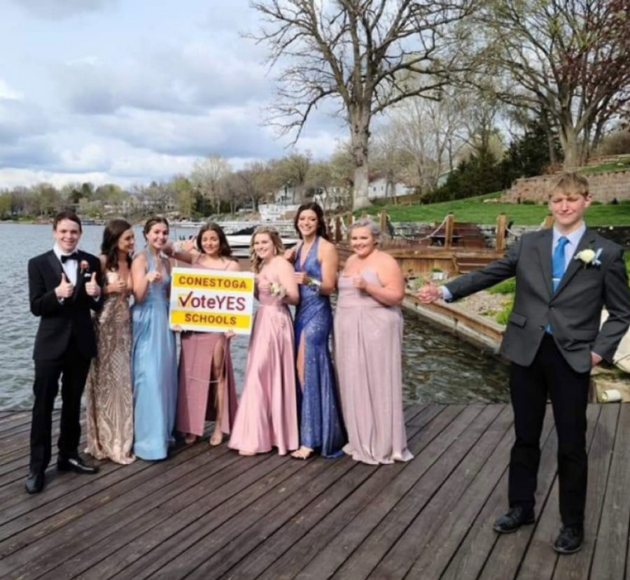 Conestoga students pose with a